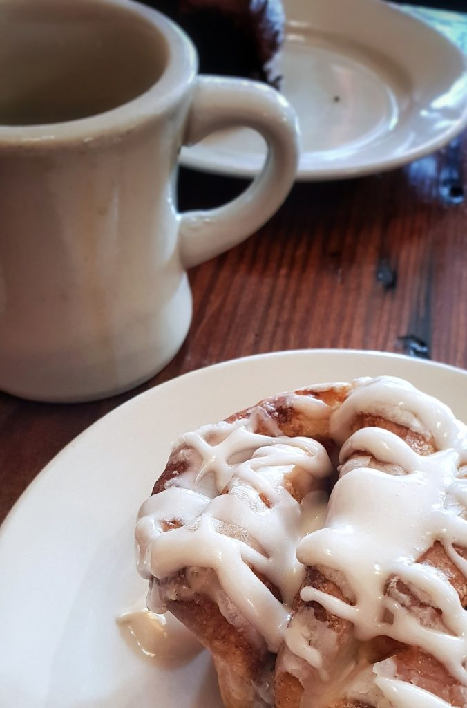 סינבון ב- Cake Cafe & Bakery. צילום: אוהד אורפז
