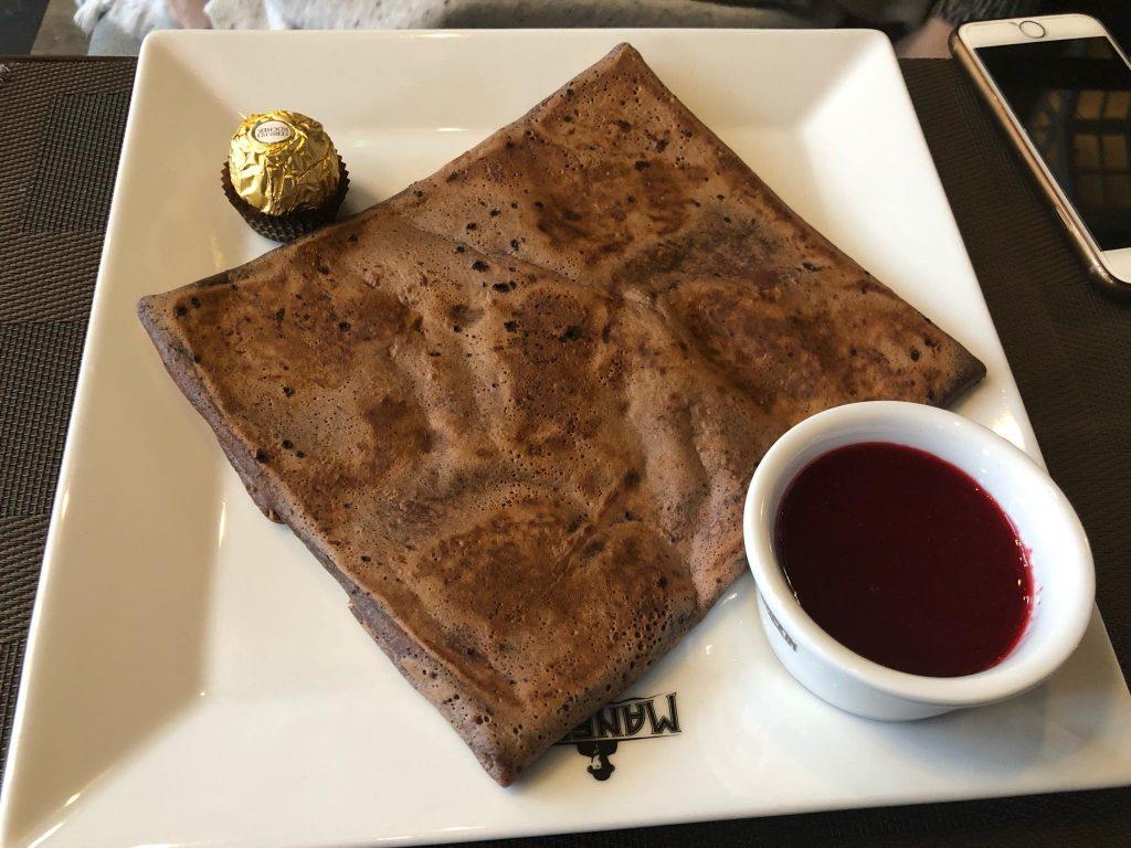 קרפ מתוק במסעדת Manekin. צילום: דביר הקל